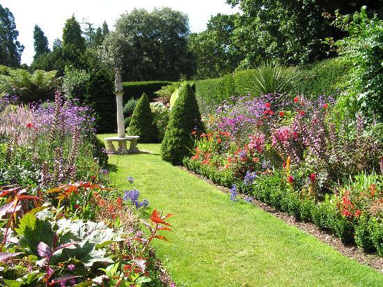 Tips para diseñar el jardín ideal 1: a cada estilo de casa, su ...