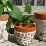 macetas-con-cerámicas-y-piedras